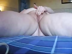 Girl masturbate to orgasm in..