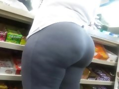 Big juicy ass in grey spandex