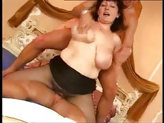 Italian mature bbw takes some dicks