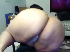 Thick bbw latina shaking part 1