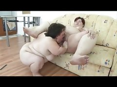 Ugly midget and a ssbbw..