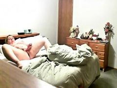 Milf orgasm on hidden cam..