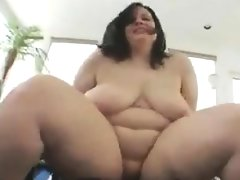 Slutty bbw gets her dirty..