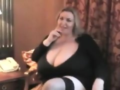Naughty bbw plays with her..